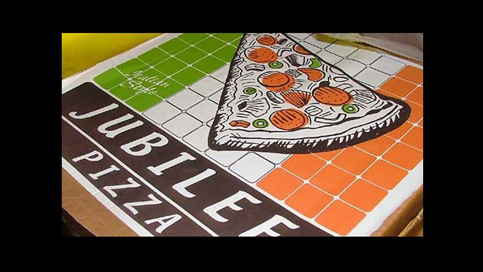 """Jubilee Pizza"" Box in ""Dalek"""